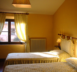 Tuscan villas for rent :: Pozzo vacation apartment at Villa Catignano